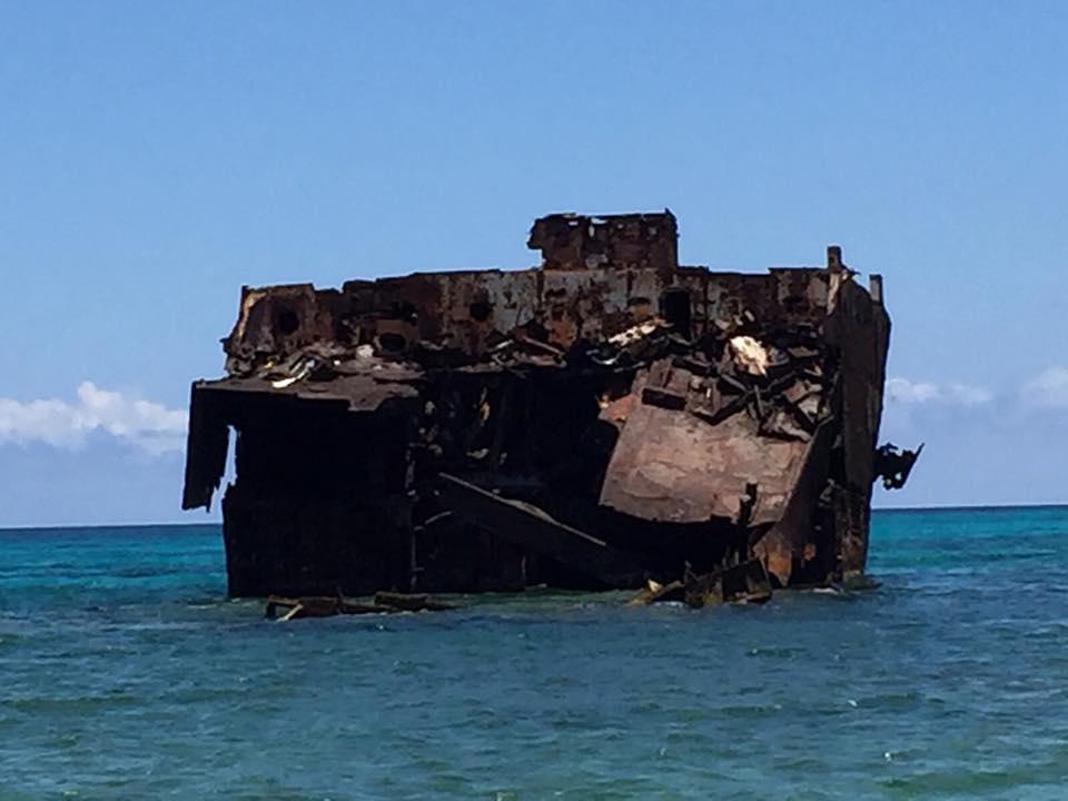 サン・アンドレス島のロッキー・ケイと沈没船