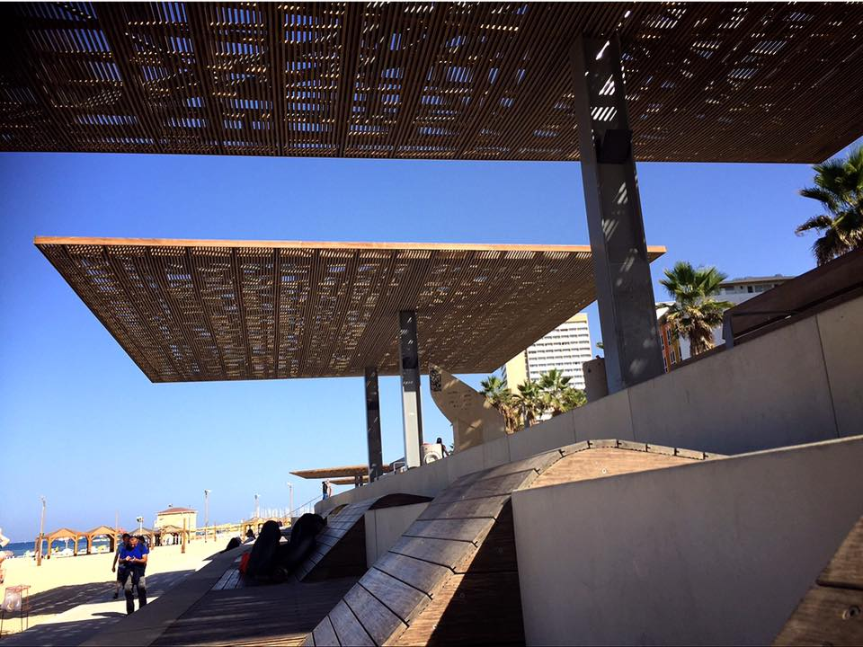 イスラエルの第2の都市テルアビブのビーチ
