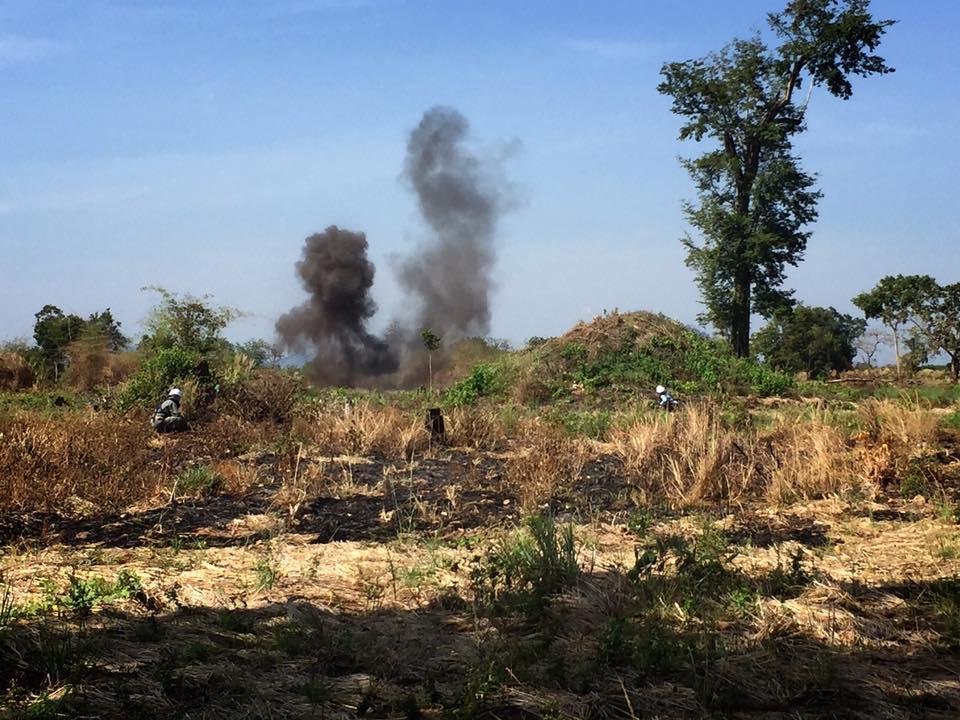 カンボジアの地雷撤去処理活動