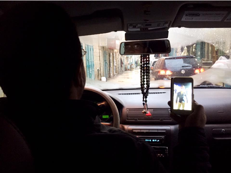 タクシーをチャーターして分離壁へ