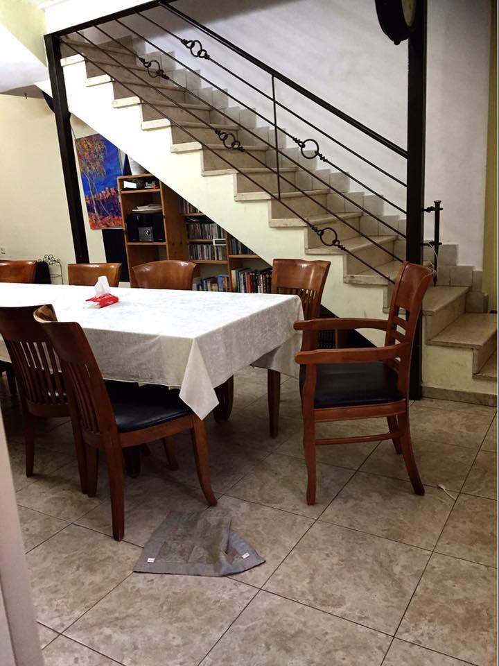 パレスチナ自治区 ヘブロンのゴーストタウン ユダヤ人入植者の家