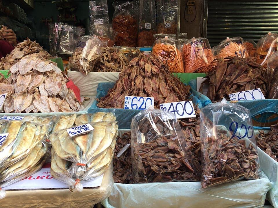 マハチャイ市場 シーフードマーケット