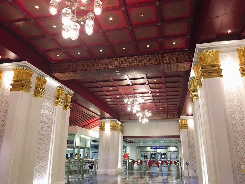MRTサナームチャイ駅