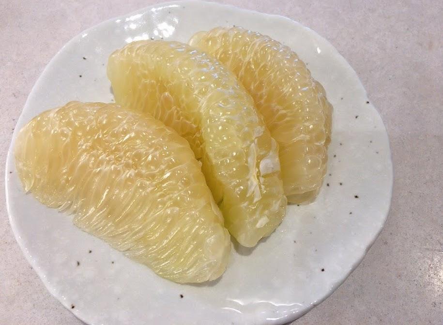 タイに来たら絶対食べたい!南国フルーツ10選【旬の時期やおすすめの食べ方も紹介】ポメロ