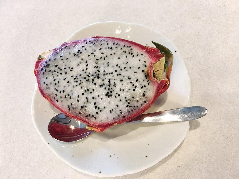 タイに来たら絶対食べたい!南国フルーツ10選【旬の時期やおすすめの食べ方も紹介】ドラゴンフルーツ