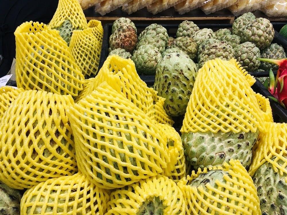 タイに来たら絶対食べたい!南国フルーツ10選【旬の時期やおすすめの食べ方も紹介】カスタードアップル